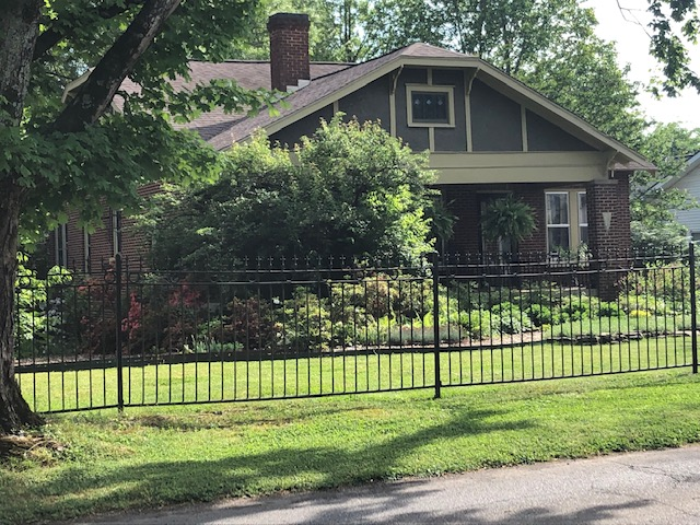 May 2019 Yard of the Month - 800 E. Pryor Street